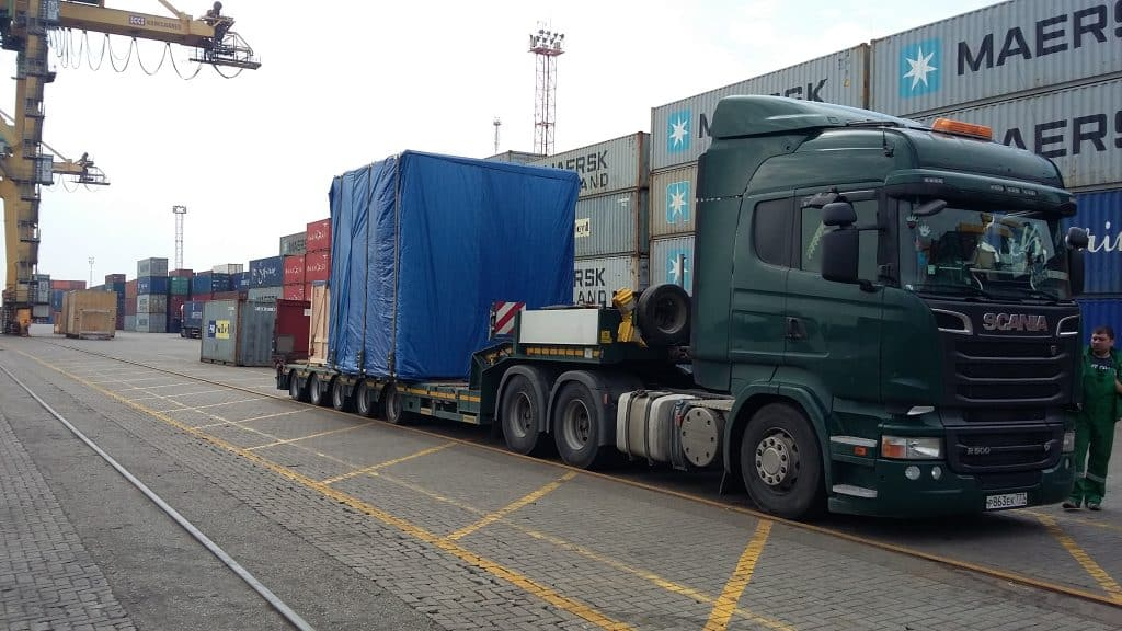 Oversized cargoes on a low-bed trucks
