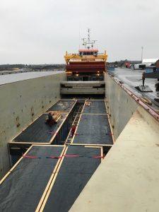 Modulinių namų transportavimas laivais, krova bei vežimas autotransportu